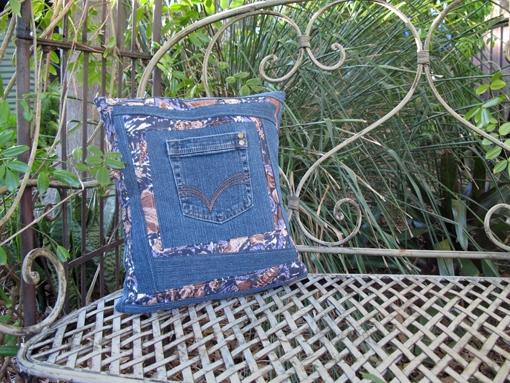 Jeans Pocket Cushion