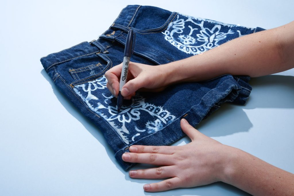 How to Make Bleach Printed Shorts